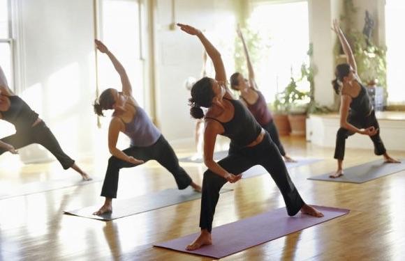 Kom och yoga med oss på Fridhemsplan